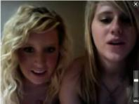 Webcam - blondes stripping
